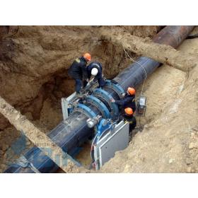 Сварка трубопровода в траншее